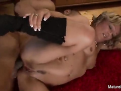 White blonde mature roughly fucked in her anal by arab