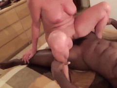Mature shorthaired QoS wife fucks and blows bbc
